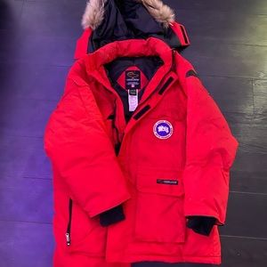 CANADA GOOSE RED LONG DOWN PARKA SIZE XL